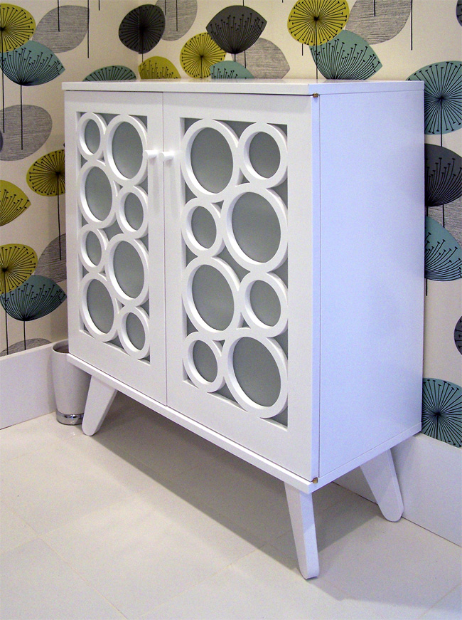Breakers cabinet craig thomas white - Modern bathroom cabinets storage ...